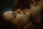 Edward Cullen Bella Swan Neck Kiss Openx 480x320