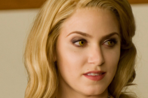 http://idigitalcitizen.files.wordpress.com/2009/12/rosalie-cullen-black-dressx-480x320.jpg