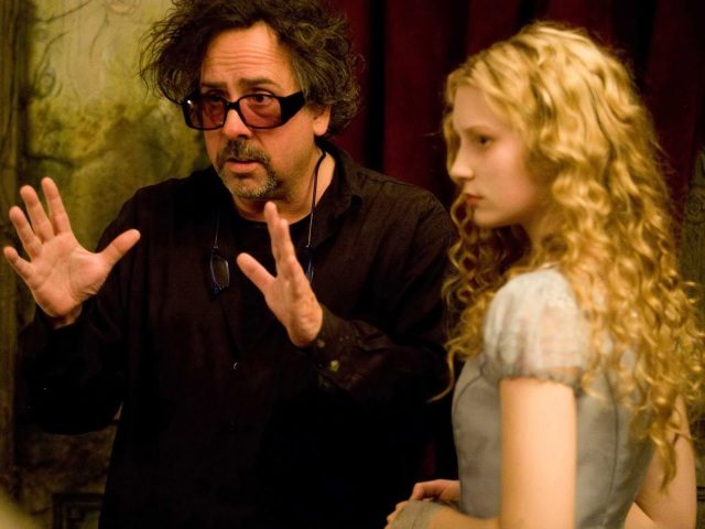 Alice / Tim Burton (The Mad Director)