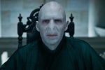 lord-voldemort-hp7-chair-