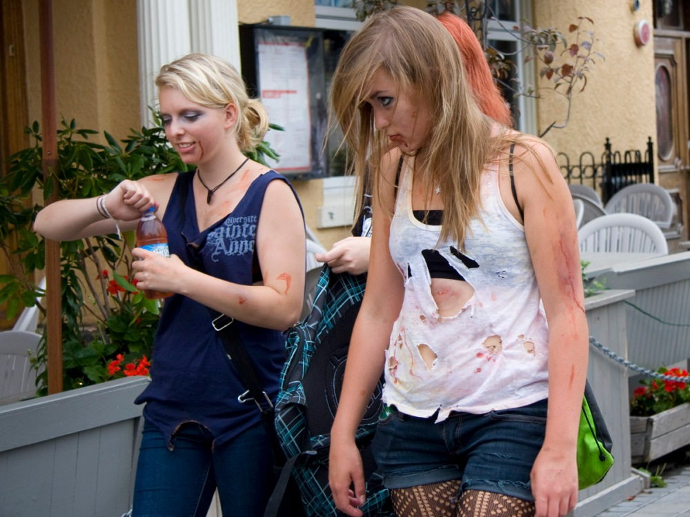 Photos from the 2012 Halifax Zombie Walk (3/6)