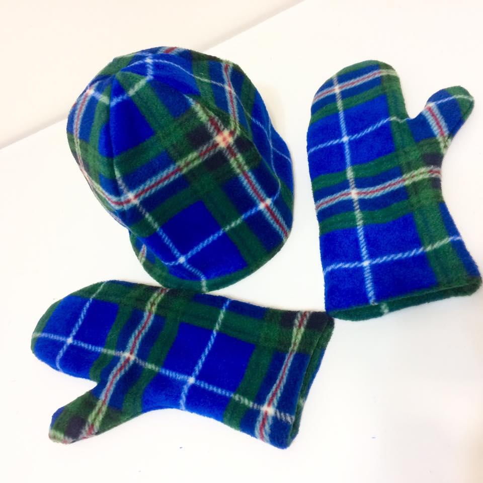 tartan-toque-and-scotia-mittens